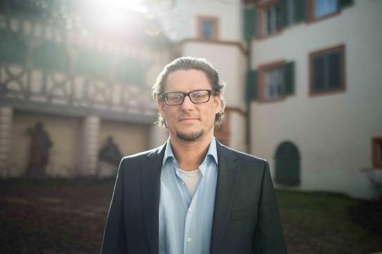 Prof. Werner Scheltjens hat die erste Professur zu Digitalen Geschichtswissenschaften in ganz Bayern inne. Foto: Benjamin Herges